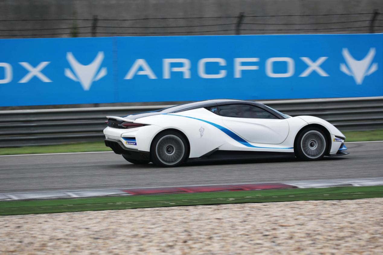 China GT激战上海,ARCFOX-7完美首秀F1赛道王 ,ARCFOX活动资讯